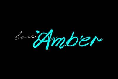 amber_love-min